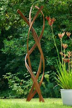moderne gartendeko metall hohe skulptur blumen