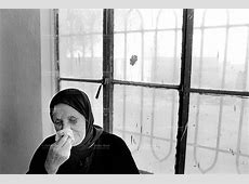 Iraq. Baghdad. Old woman crying.   Didier Ruef   Photography