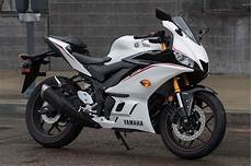 Yzf R3 2019 Yamaha Yzf R3 Review 17 Fast Facts