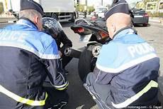 nouvelle taille de plaque d immatriculation pour les motos plaque d immatriculation standard pour toutes les motos moto magazine leader de l