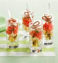 einfache und raffinierte vorspeisen im glas serviert 19