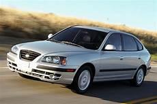 how to learn all about cars 2005 hyundai elantra interior lighting 2005 hyundai elantra reviews specs and prices cars com