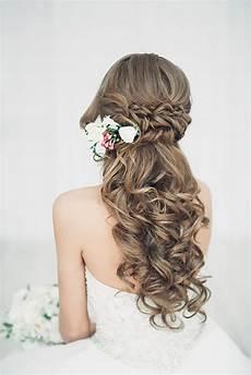 20 stunning half up half down wedding hairstyles with tutorial page 2 of 3 deer pearl flowers