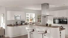 cuisine blanche laquée chevreuse cuisine blanche laqu 233 e