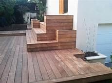 Exemple De Terrasse Kinderzimmers Terrasse En Bois Avec Marches Et Gradins