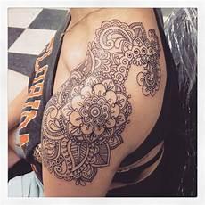 Mandala Schulter - paisley mandala boho with tattoos