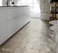 Unicom Starker Icon Tiny 1 Beige 200x200 Tile Paver