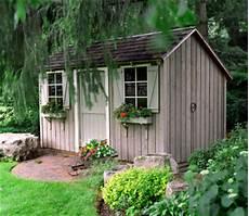 gartenlaube gestalten ideen living in a shed