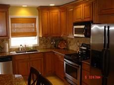 paint ideas for kitchen with oak cabinets oak cabinet backsplash house furniture