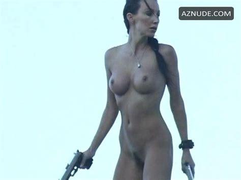 Carola Nude