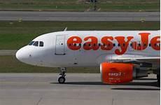 Easyjet Flug Stornieren - urteil easyjet muss geb 252 hren und steuern nicht erstatten