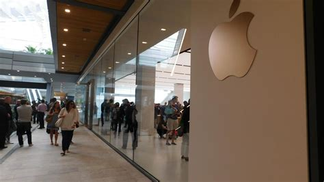 Apple Store Opens At Miami's Brickell City Centre (video