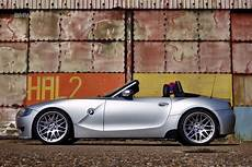 old car manuals online 2006 bmw z4 m electronic valve timing pin by bmwblog on bmw bmw classic cars bmw bmw z4 roadster