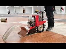 Removing Of Pvc Floor Covering With The Roll Ro 3