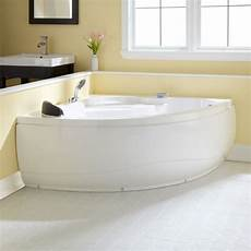 Small Bathtubs by 10 Best Images About Small Bathtubs On Soaking