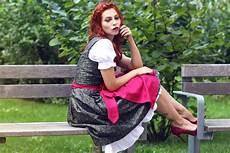 oktoberfest frauen ohne dirndl das dirndloutfit the dirndl fashion from