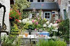 kleinen garten bepflanzen pocket garden information learn about creating pocket