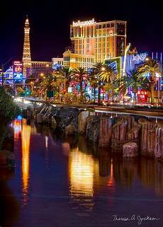 how to find the right vegas hotel for you in 2019 las vegas vacation las vegas city las
