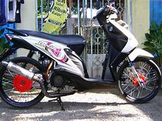 Modifikasi Beat Ring 17 by Modifikasi Honda Beat Karburator Dengan Velg Ring 17 Jari