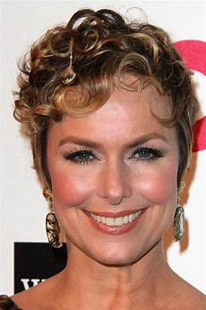very curly short hairstyles 10 best very short curly hair short hairstyles 2018
