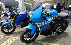Suzuki Gsx R150 Modif by Modifikasi Suzuki Gsx R150 Dan Gsx S150 2 Aliran Berbeda