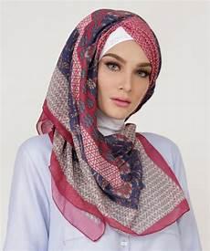 Koleksi Jilbab Segi Empat Terbaru