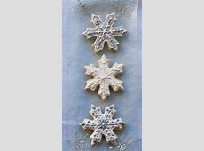 coconut snowflake cookies_image