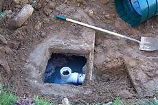 what are the pros and cons of septic tanks