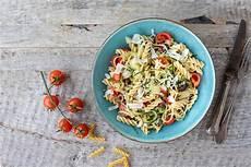 Low Carb Nudelsalat - mediterraner low carb nudelsalat rezept koch mit herz