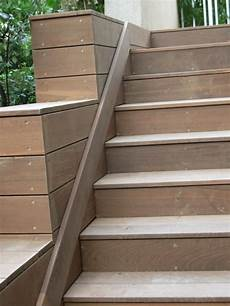 recouvrir marche escalier r 233 aliser une escalier avec des lames de terrasse en ip 233