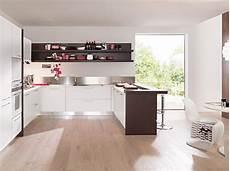 cucine angolare cucina angolare moderna bianco opaco con penisola rovere