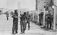Speedy Maur Berlin Wall Anniversary Photographs From The Symbolic