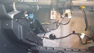 How To Replace Base Ac Control In A 2000 Hyundai Elantra