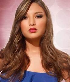 7 Gambar Model Rambut Panjang Untuk Wajah Bulat Terbaru