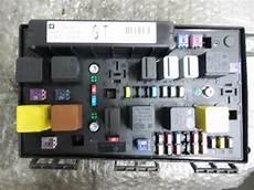 Gebrauchte Opel Zafira B Sicherungskasten 1320674