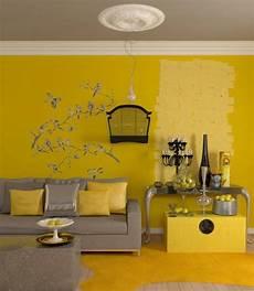 sredi dom dnevna soba saveti za bojenje zidova