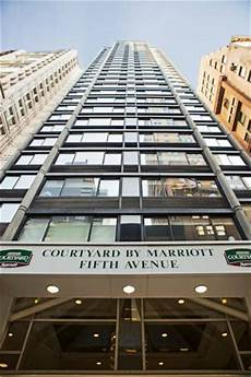 hotel courtyard ny fifth avenue new york city ny booking com