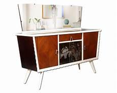 credenza anni 50 60 credenza vintage design anni 50 in noce con specchiera e