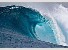 9 Awesome Wave Wallpapers to Decorate Backgrounds Like an