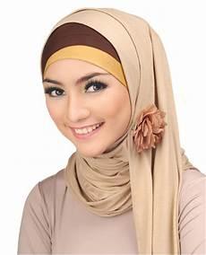 Jilbab Stylish Untuk Si Pipi
