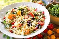 cherry tomaten nudelsalat mit paprika und oliven rezept