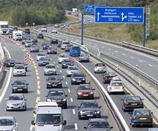 Adac Warnt Vor Rekordstaus Verkehr Sicherheit News