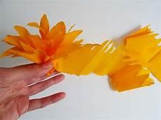 fleur papier crepon princesse pia 187 diy creer des fleurs en papier crepon