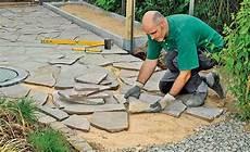 terrassenplatten auf treppe verlegen polygonalplatten verlegen garten garden paths garden