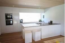 Küche Weiß Modern - k 252 che modern wei 223 braun beige hochglanz k 252 che und holz