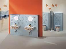 bagno bimbi un bagno ad altezza di bimbo sicurezza fantasia ordine