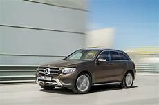 mercedes delivers record 1 million cars in half