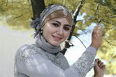 Kreasi Jilbab Wisuda Tutorial