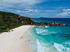 tropical paradise vacation spots 25 tropical vacation ideas