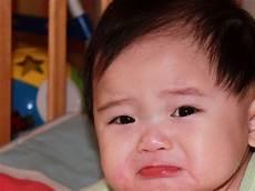 10 Foto Gambar Bayi Lagi Sedih